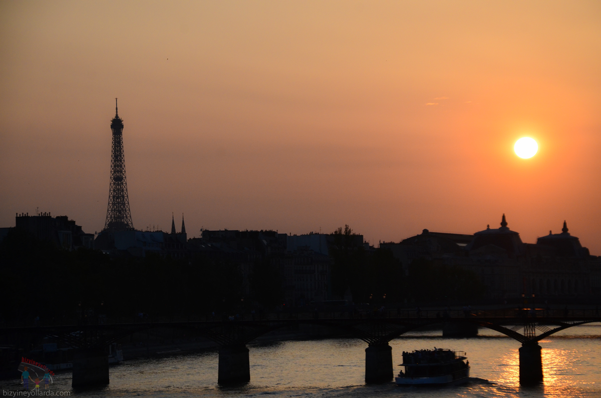 After the Sunset in Paris