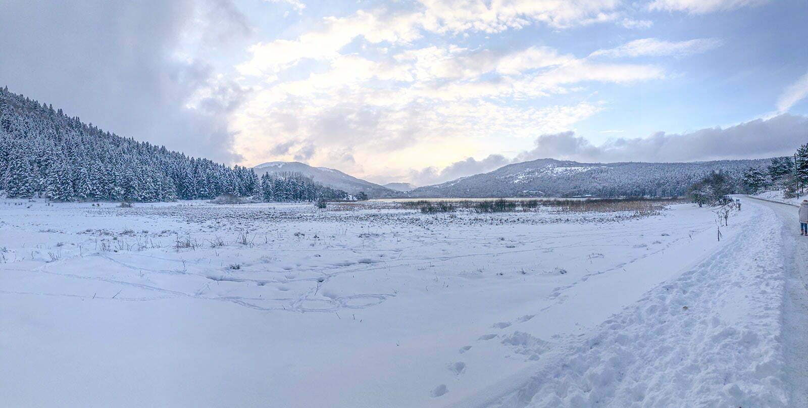 Buz Tutan Abant Gölü