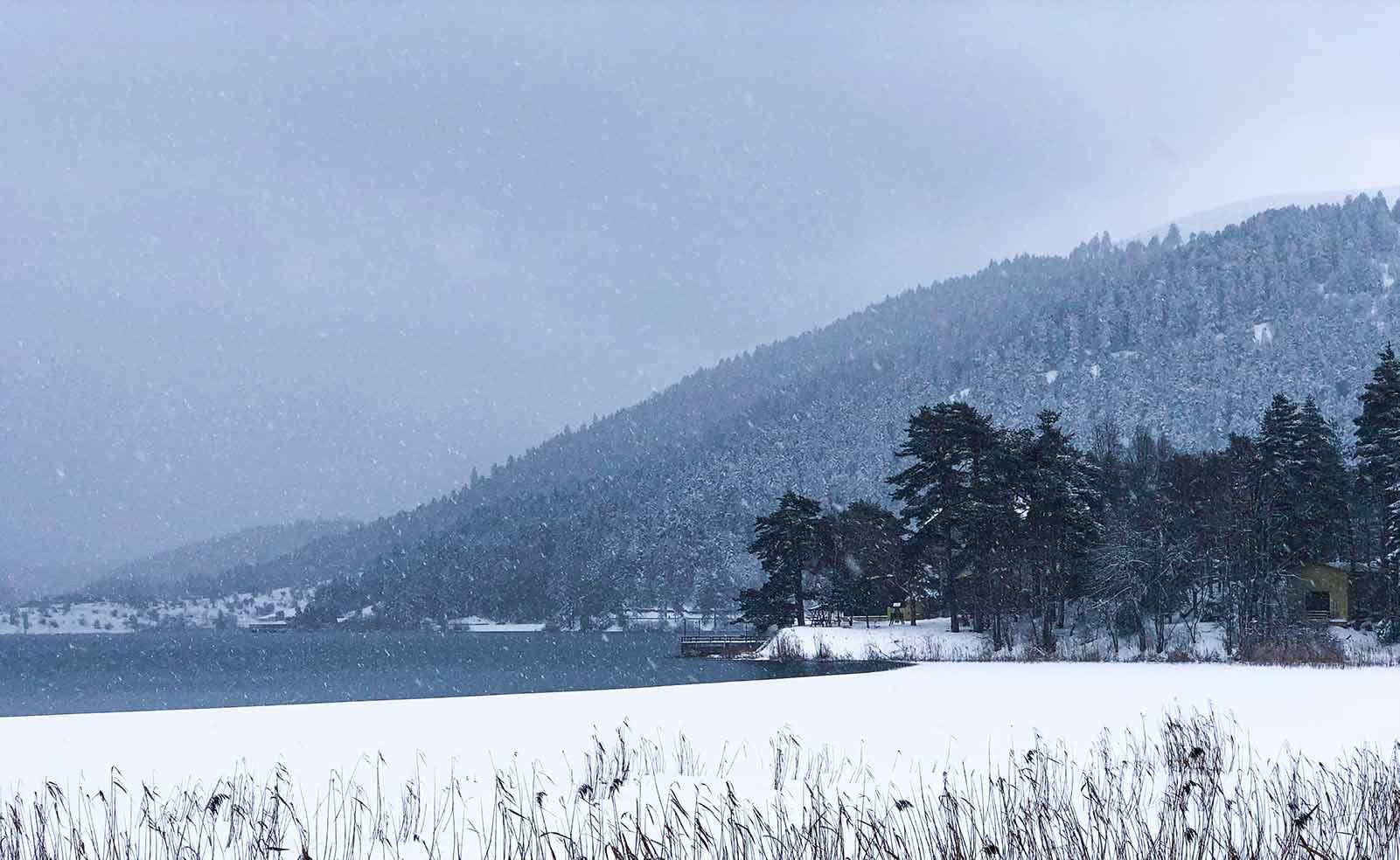 Kışın Abant Manzarası